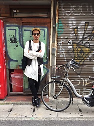 Hideki. Mn - Unused Cap, Oliver Peoples × Sunsea Sunglasses, Bed J.W. Ford Slit Sleeve, Unused Leather Vest, Hombre Nino × Zeptepi Bag, Auguste Presentaion Pants, Tomo & Co Postman Shoes - Japanese fashion 7
