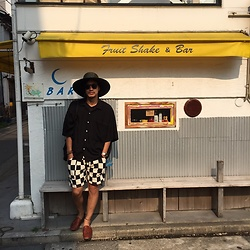 Hideki. Mn - Nuggets Panama Hat Processing , Oliver Peoples × Sunsea Clip On Sunglasses, Facetasm Shirt, Children Of The Discordance Shorts, Padrone Leather Sandals - Japanese fashion 8