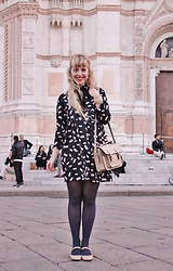 Elisa Bochicchio - Calzedonia Tights, Zara Shoes - Bologna in pink
