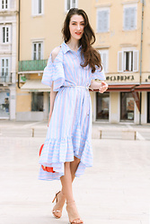 Veronika Lipar - Storets Cold Shoulder Shirt Dress With Ruffled Hem, Stuart Weitzman Rose Gold Sandals - Rose Gold Sandals And a Perfect Cold Shoulder Summer Dress o