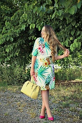 Emma MAS - Zaful Pineapples Dress - Pineapples dress