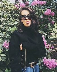 Monika Ruzgute - River Island Sunglasses, Cos Sweatshirt, River Island Belt, Mango Bag - Fashion mood.