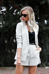 My Philocaly - H&M Blazer & Shorts, Michael Kors Sunnies - How to run a blog while working full - time