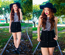 Priscila Figueredo - Black Skirt, Boots, Shirt, Necklace, Hat Floppy - Black and Gray;