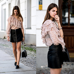 Jacky - Zara Shirt - One Shoulder Shirt x Leather Skirt