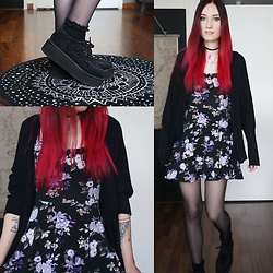 Bianca T - Underground Creepers Black, Forever 21 Floral Dress, Mystic Mineral Clothing Amethyst Choker, Primark Lace Socks - Floral Grunge