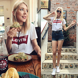 Zuzana - Levi's® Levi's Tee, Cello Jeans Denim Shorts, Converse White Sneakers, Nine West Sunglasses - Brunchin' in Levi's!