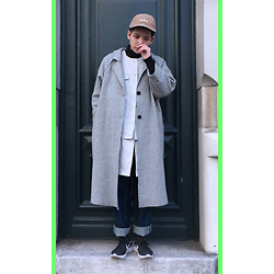 Kai Chi Lao - Maison Martin Margiela Top。, Cos Jeans。, Nike Sneakers。 - #green #madness #paris #cos #maisonmargiela #cosstores #nike