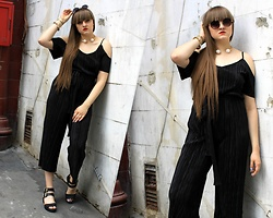Agata Nika - Shein Black Jumpsuit, Primark Black Sandals, Sin:Say Sunglasses, Zara Necklane - Sunday fun day
