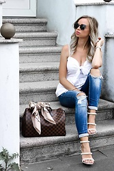 My Philocaly - Missguided Heels, H&M Top, Zara Jeans, Prada Sunnies, Louis Vuitton Bag - Summer in the city