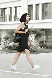 Ellone Andreea - H&M Black Dress, Adidas Superstars, Zara Leather Backpack - Little Black Dress