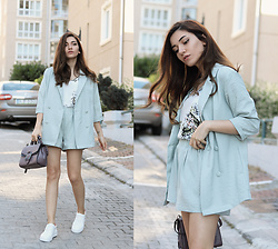 Melike Gül - Shein Jacket & Shorts Set, Stradivarius Top, Jollychic Handbag, Romwe Sneakers - Mint Co-Ords
