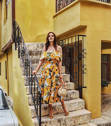 Viktoriya Sener - Asos Dress - YELLOW SUMMER