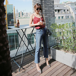 Rekay Style - Gentle Monster Round Lens Sunglass, L'academie Cami, Boot Cut Jeans, N21 Bow Mini Bag, Jimmy Choo Glitter Pumps - Dream,Sparkle,Shine