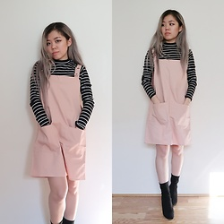 Sandy Y - H&M Striped Muck Turtleneck, Meisupply Overall Dress, Public Desire Chloe Perplex Ankle Boots - Candy Pink
