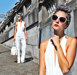 Ruxandra Ioana - Lightinthebox Jumpsuit, Rocco Barocco Satchel - H.E.R.