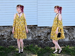 Henna X. - Monki Yellow Dress, Gina Tricot Choker, Marimekko Bag, Tie Up Shoes - Yellow cold shoulder dress