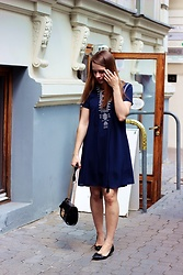 Marta S. - Romwe Navy Dress, Rosegal Black Bag, Franco Sarto Black Shoes - Street style • Navy dress