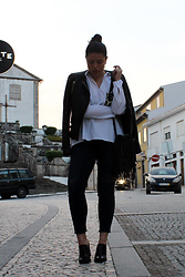 Joana Sá - H&M Earrings, Mango Leather Jacket, Zaful White Shirt, Belíssima Fringed Bag, Zara Jeans, Zara Mules - Bad