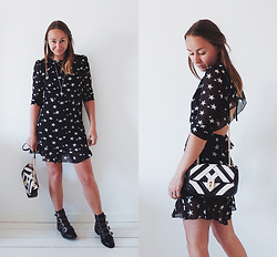 Magna G. - Star Print Dress - Star print dress