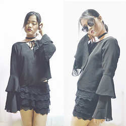 Naomi Sasaki - Something Borrowed Bell Sleeve, Lola & Daisies Black Choker - Paradise