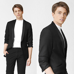 Georg Mallner - Asos Blazer, H&M Pants, Weekday Turtleneck T Shirt - June 22, 2017
