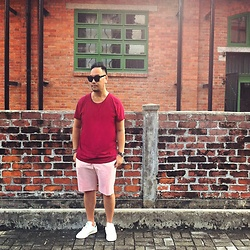 Mannix Lo - Cotton On Tee, Uniqlo Pink Stripes Shorts, Adidas Stan Smith Sneakers - Summer RED