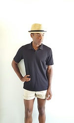 Thomas G - L.L.Bean Khaki Shorts, Claiborne Collared T Shirt, David & Young Stingy Brim Straw Hat, Twitter - Summer casual