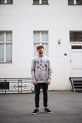 Kevin Elezaj - Nike Sneakers, Cheap Monday Jeans, Kiomi Sweater, Herschel Cap - June 24