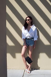 Tienlyn . - Shirt, Bag, Shoes - SHADE SEEKER