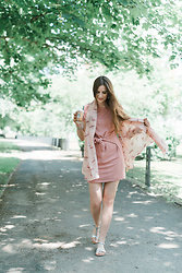 Andrea Funk / andysparkles.de - Codello Scarf, Justfab Dress - All Pink and Flamingos