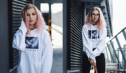 Karina Mucha - Rest Factory No Angel Hoodie - NO ANGEL