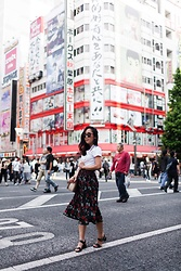 T - Brandy Melville Usa Shirt, Topshop Shoes - Lost in Tokyo