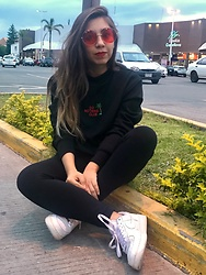 Karen Cardiel - La Cobacha Do Nothing Club Black Hoodie, Forever 21 Black Leggings, Nike Air Force 1, Ray Ban Red Circular Sunglasses - ? DO NOTHING CLUB ?