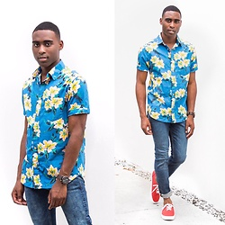 Willie Sparks - Old Navy Floral Shirt, Old Navy Jeans - Casual days