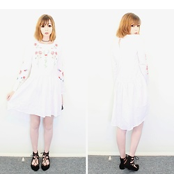 Rachel-Marie - Unbranded Tattoo Choker, Shein White Buttoned Keyhole Back Botanical Embroidered Smock Dress, Shein Black Lace Up Flats - Pale Floral Day