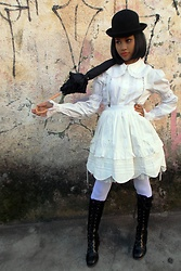 Lais Gonçalves - Black Bowler Hat, Baby The Stars Shine Bright Round Collar Blouse, Baby The Stars Shine Bright Scalloped Skirt, White Suspender, Black Parasol, White Thights, Body Line Black Boots - Real Horrorshow