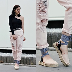 Natalia Pawlik - Pull & Bear Top, Zaful Belt, Pull & Bear Pants, Pull & Bear Shoes, H&M Necklace - PINK PANTHER