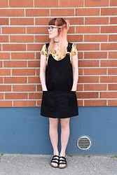 Henna X. - Gina Tricot Choker, Sheinside Sunflower Crop Top, Monki Pinafore, Sandals - Sunflowers & pinafore