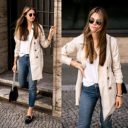 Jacky - Ray Ban Sunglasses, Gant Trenchcoat, Levi's® Jeans - Trenchcoat and Denim