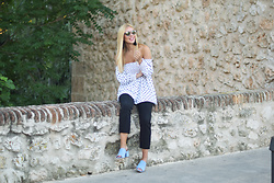 Martha Lozano - Paltons Sunnies, Q2 Top, Justfab Shoes - No me vendas la moto