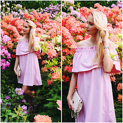 Madara L - H&M Pink Off The Shoulders Dress, Lovelywholesale Choker Necklace - The sweet off the shoulders dress