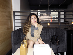 Stephanie Gomez -  - City Cafes and Chit Chats