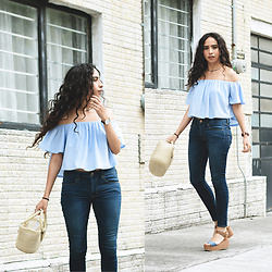 Attalia DASBEL - Bershka Off Shoulder, American Eagle Outfitters Jeans - SUMMER IN THE CITY!