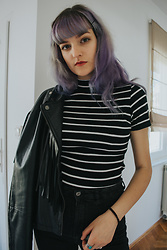 Tea M - Pull & Bear Rings, Thrifted Leather Jacket, Terranova Striped Top, Levi's® Black/Grey Highwaisted Jeans - Minimal
