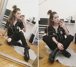 Angelika Slepowronska -  - Baseball fan