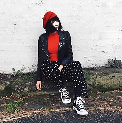 Amelia Goldie - Converse Shoes, Glassons Pants, Twiin Ribbed Top, Obey Leather Jacket - J'adore