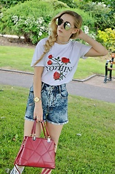 Isobel Thomas - Rosegal Red Bag, Zaful T Shirt, Rosegal Choker, Rosegal Sunglasses - Nothing