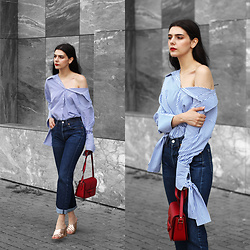 CLAUDIA Holynights - Vipme Stripped Knot Detail Shirt, Vipme Red Bag, 4th And Rckless Gold Mules - Blue, red and gold