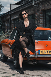 Wiktoria Celmer - Blackmode Boots, Gucci Belt, Zara Oversize Jeans Jacket, Mango Star Print Tulle Dress - ROCK AND ROLL!